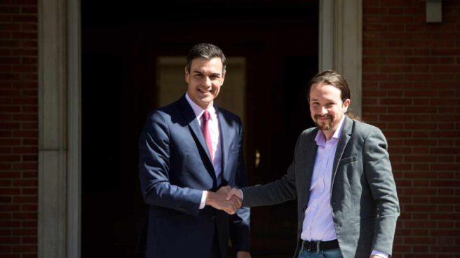 Pedro Sánchez y Pablo Iglesias antes de su reunión en Moncloa tras las elecciones del 28A.