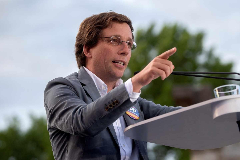 José Luis Martíonez Almeida en un acto de campaña
