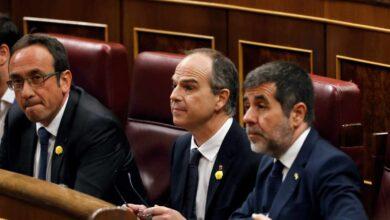 Jordi Sánchez, Rull y Turull facilitan la investidura al no renunciar al acta de diputados