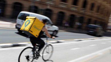 """Siete días a la semana, jornadas de 13 horas y 350 euros al mes: las calamidades de un """"rider"""""""