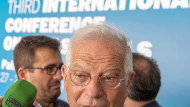 La Junta Electoral da la razón a JxCat y prohíbe la campaña del Gobierno sobre la imagen de España