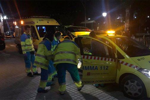 Personal sanitario en Cobeña tras la llamada de emergencia.