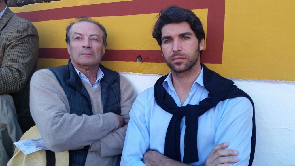 Fernando Domecg, junto a Cayetano Rivera en Olivenza. en