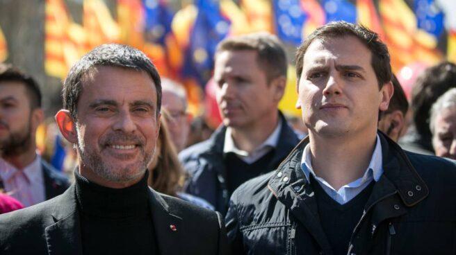 Manuel Valls con Albert Rivera en una manifestación en Barcelona