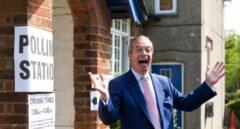 Nigel Farage, líder del Partido del Brexit, en su colegio de votación en Biggin Hill, Kent.