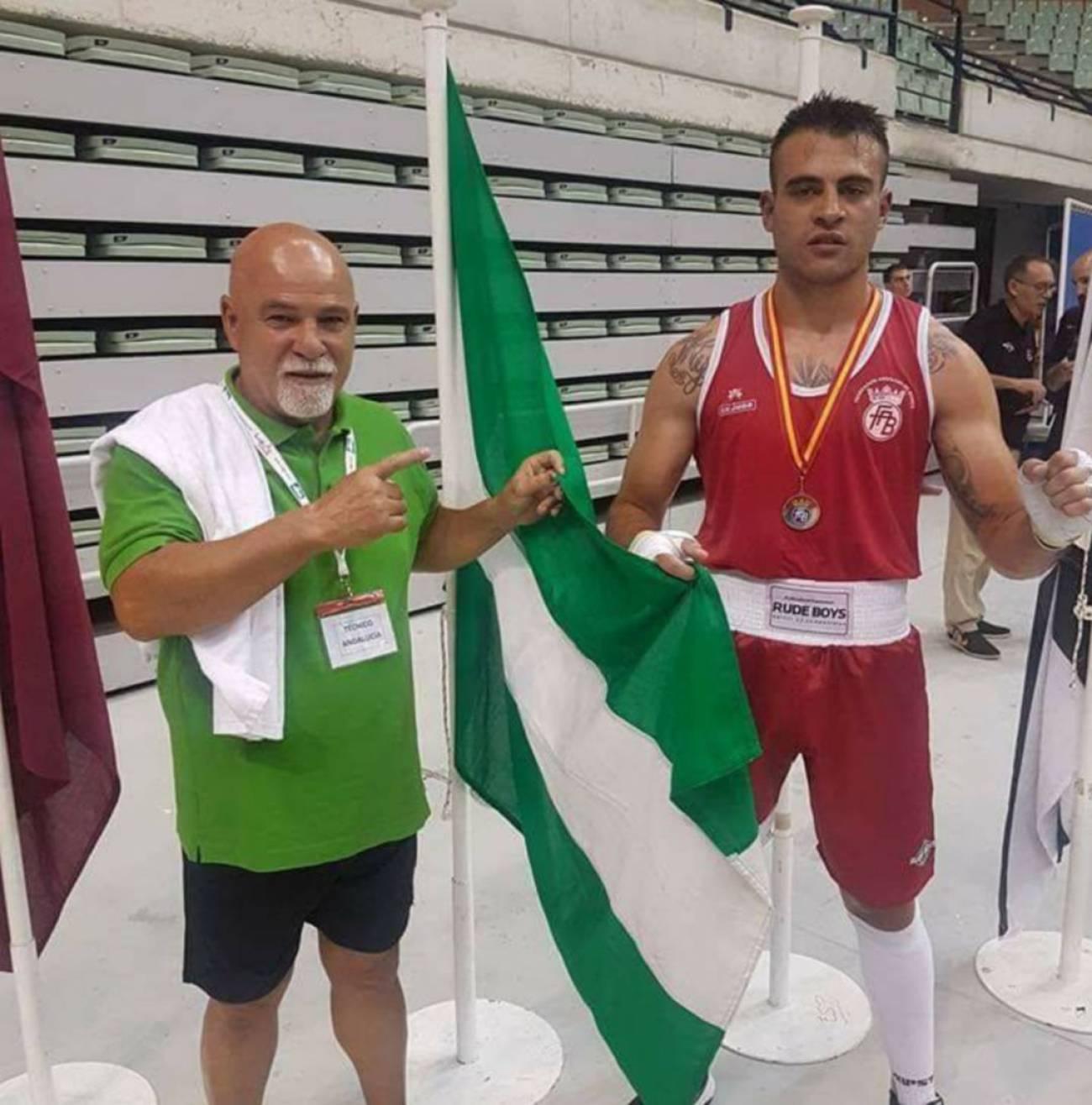 El boxeador Carlos Pinteño, a la derecha.