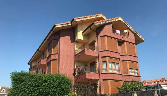 Casaktua vende 1.500 viviendas cerca de la playa a 200 euros al mes.