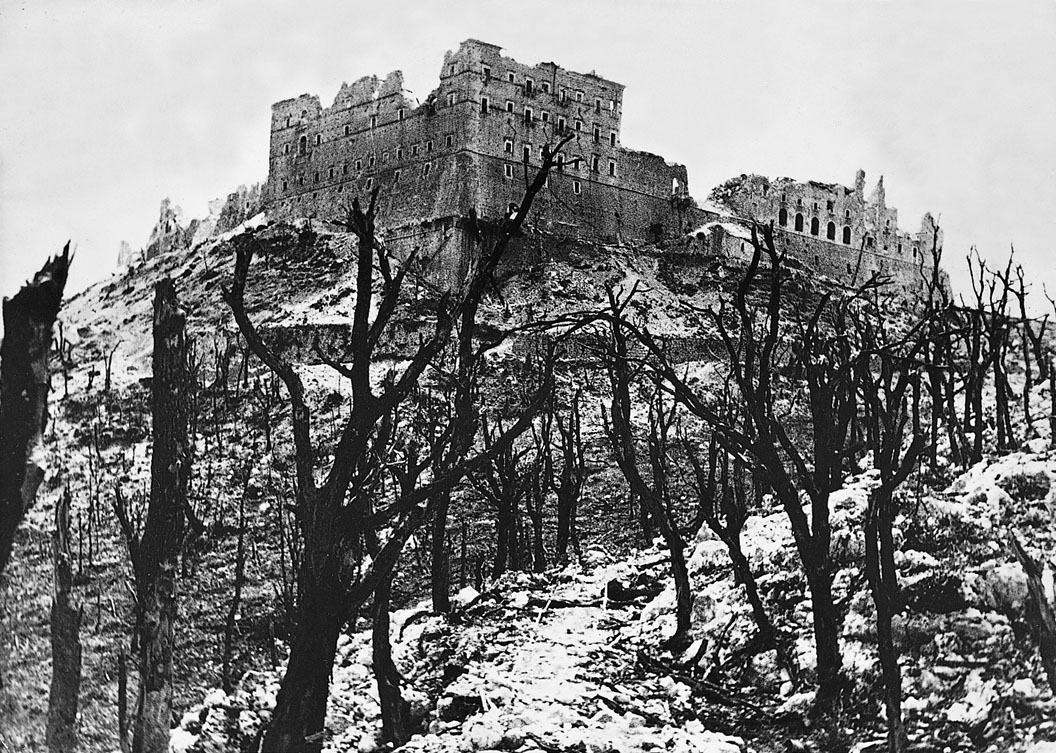 Restos de la Abadía de Montecassino tras el bombardeo al que fue sometida el 15 de febrero de 1944.