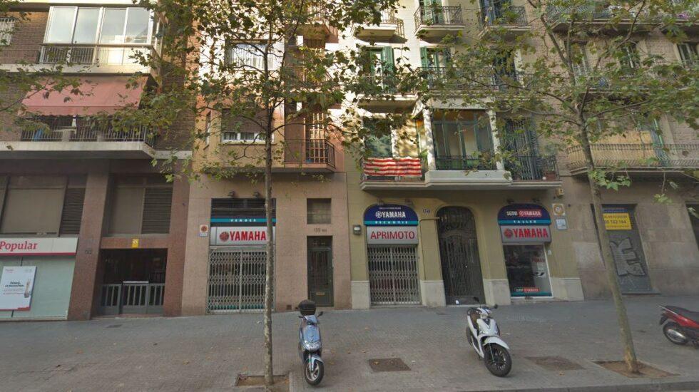 Número 125 de la calle Comte de Urgell, en Barcelona.