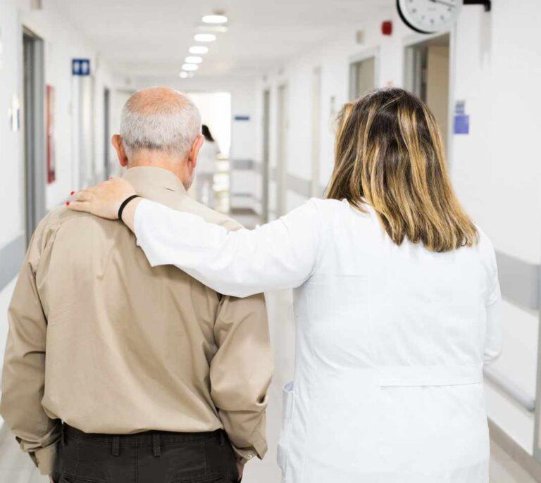 Morir con dolor: las tareas pendientes de España en cuidados paliativos