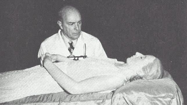El cadáver de Eva Perón.