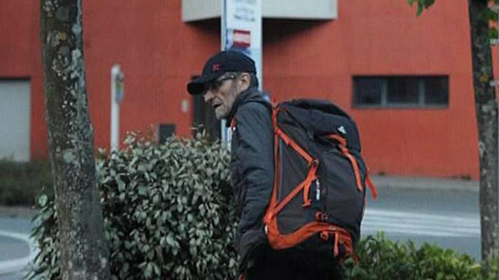 Última imagen de Josu Ternera antes de su detención, tomada a las afueras de un hospital francés.