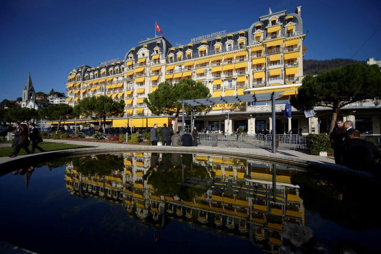 Fachada del hotel Montreux-Palace, donde se celebra la reunión anual del Club Bilderberg.