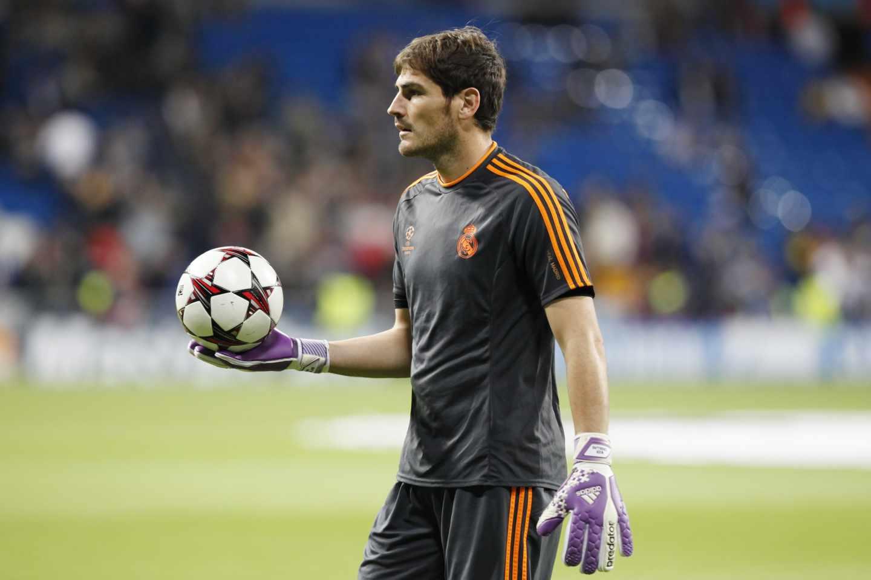 Iker Casillas, en el calentamiento de un partido de Champions League con el Real Madrid.