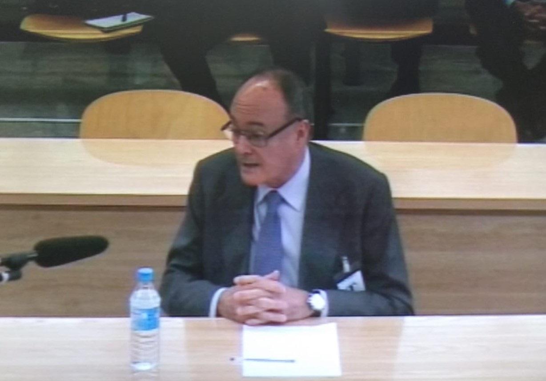 El gobernador del Banco de España, Luis María Linde, durante su declaración en el juicio de Bankia.