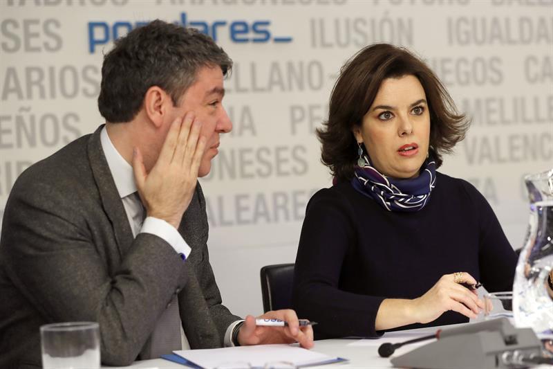 Álvaro Nadal y Soraya Sáenz de Santamaría