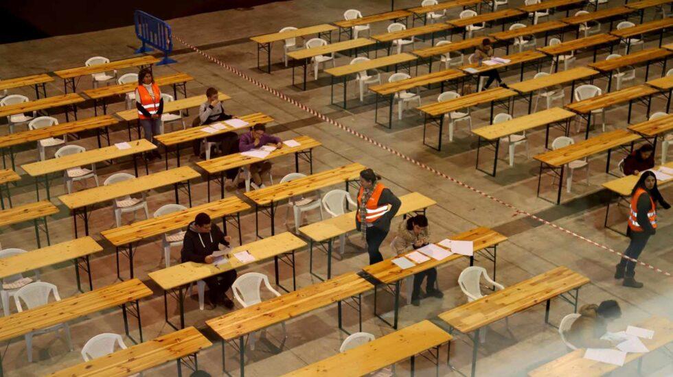 Aula durante un examen de oposiciones.