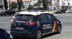 Un vehículo policial, en pleno servicio.