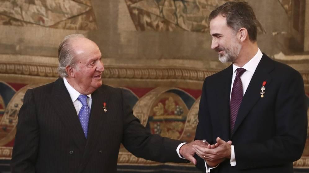Don Juan Carlos y Don Felipe, en el Palacio Real.