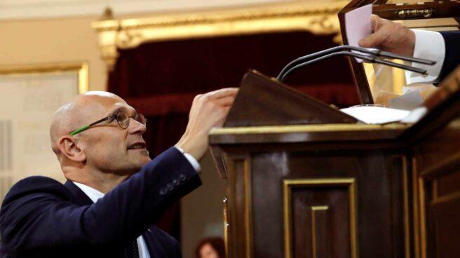 Raúl Romeva, en el momento de votar en el Senado.