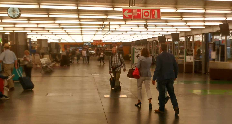 Susana Díaz y Juan Cornejo, en la estación de Atocha este lunes.