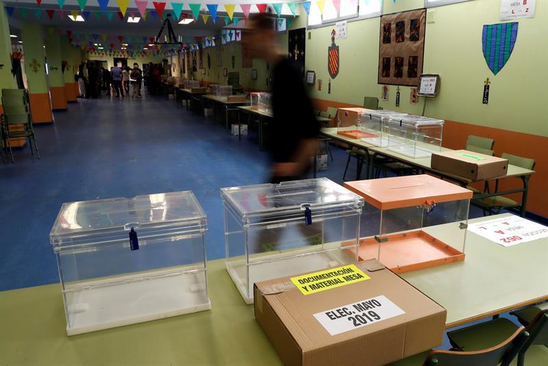 Urnas colocadas en un colegio electoral el pasado domingo.