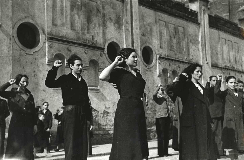 Miembros de las Juventudes Socialistas Unificadas. Gijón, 29 de marzo de 1937. Constantino Suárez. Museo del Pueblo de Asturias.