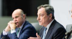 Draghi admite que el BCE debate recortar tipos ante la debilidad de la Eurozona