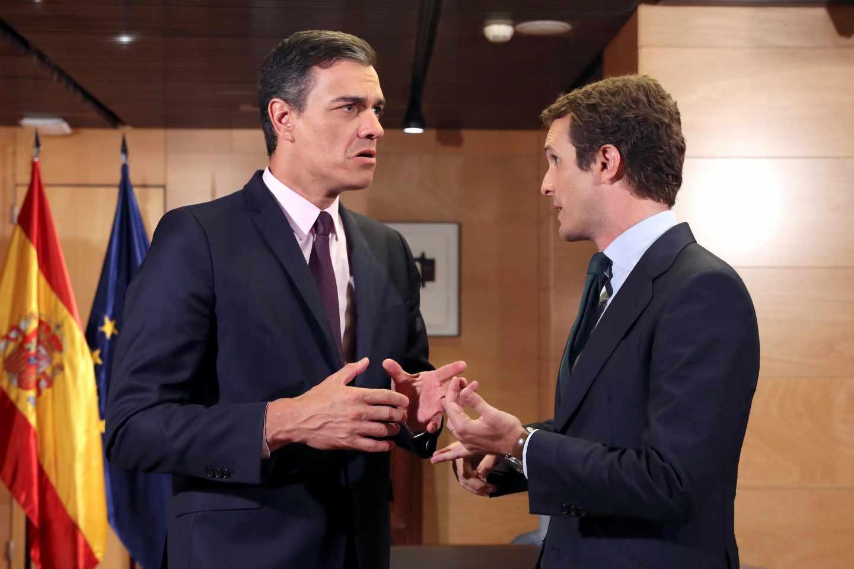 Pedro Sánchez y Pablo Casado, en el Congreso.