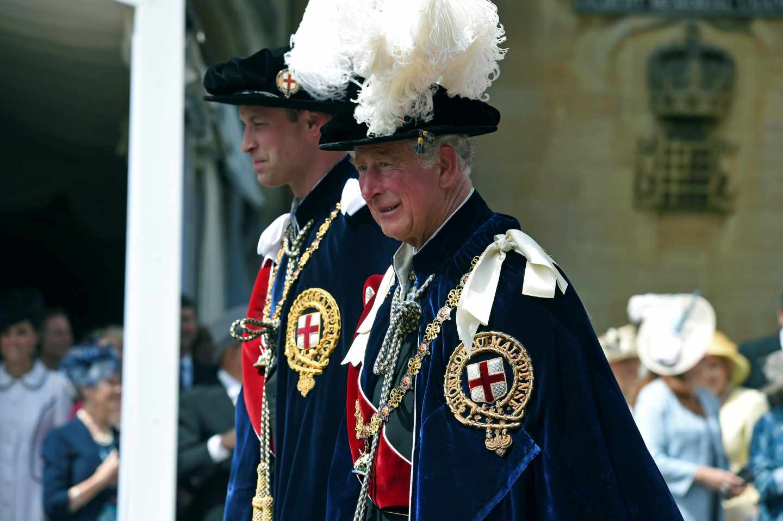 El príncipe Carlos de Inglaterra, junto a su hijo el príncipe Guillermo.