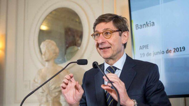 Bankia se compromete a repartir 2.500 millones en dividendos pese a los tipos bajos.