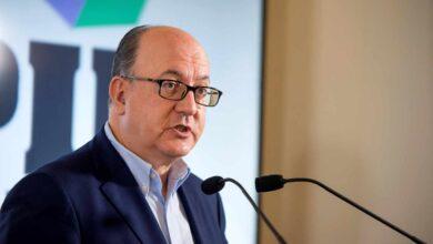 """La patronal de los bancos advierte de que para mejorar la rentabilidad """"no queda otra que pensar en fusiones"""""""