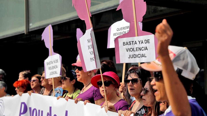 """Concentración del Movimiento Feminista de Valencia para exigir revocar la sentencia de """"La Manada"""""""