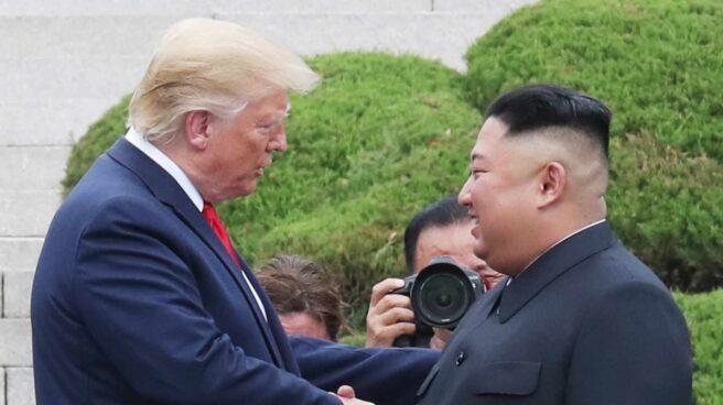 Encuentro entre Donald Trump y Kim Jong-un en la frontera entre las dos Coreas.