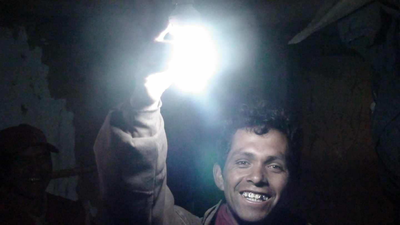 La Fundación acciona lleva electricidad y agua a poblados de Latinoamérica