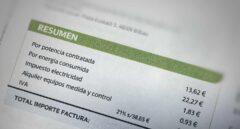 De cheques de 250 euros a meses de luz gratis... las eléctricas avivan la batalla comercial con la crisis