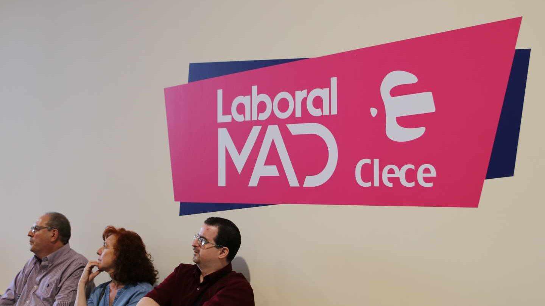 Cientos de personas pasaron el martes por el Laboral Mad en busca de un empleo