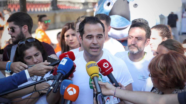 Ignacio Aguado en declaraciones ante los medios.