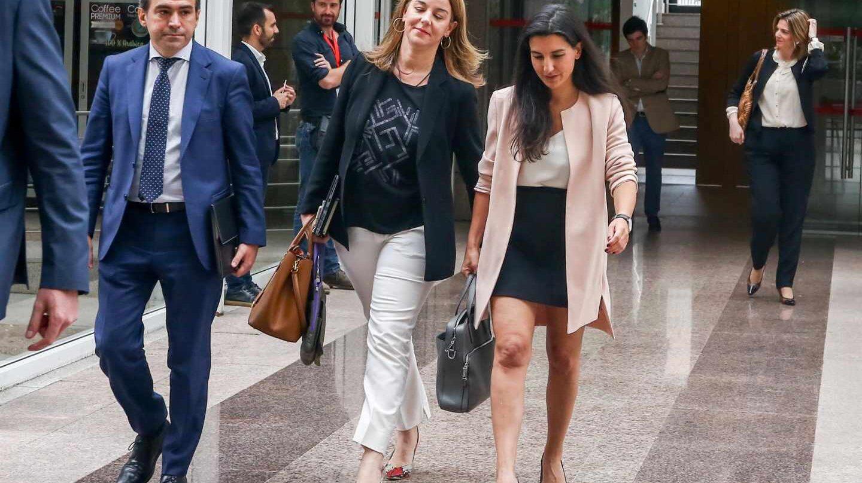Monasterio a su llegada a la Asamblea de Madrid