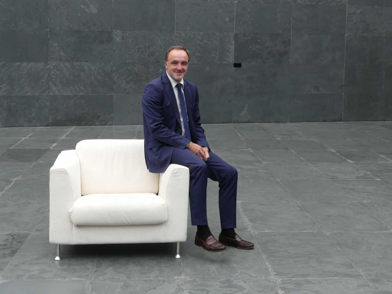El presidente de Unión del Pueblo Navarro (UPN), Javier Esparza, en la sede del Parlamento Foral.
