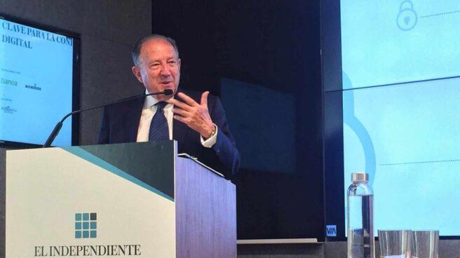 Félix Sanz Roldán, ex director del CNI, en un foro organizado por 'El Independiente'.
