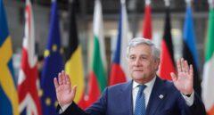 Un eurodiputado del Sinn Fein corta a Tajani para reivindicar a Puigdemont y Junqueras