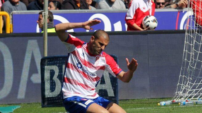 Carlos Aranda, con la camiseta del Granada.