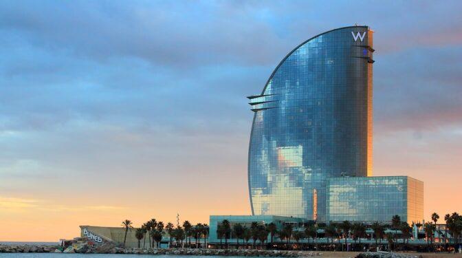 """Los hoteles de Barcelona ante las cancelaciones del Mobile: """"Las habitaciones están vacías"""""""