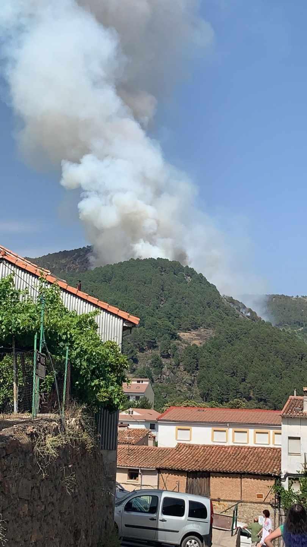 Incendio visto desde El Arenal (Ávila).