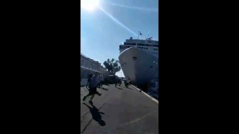 Un crucero chocó a un barco turístico en Venecia: 4 heridos