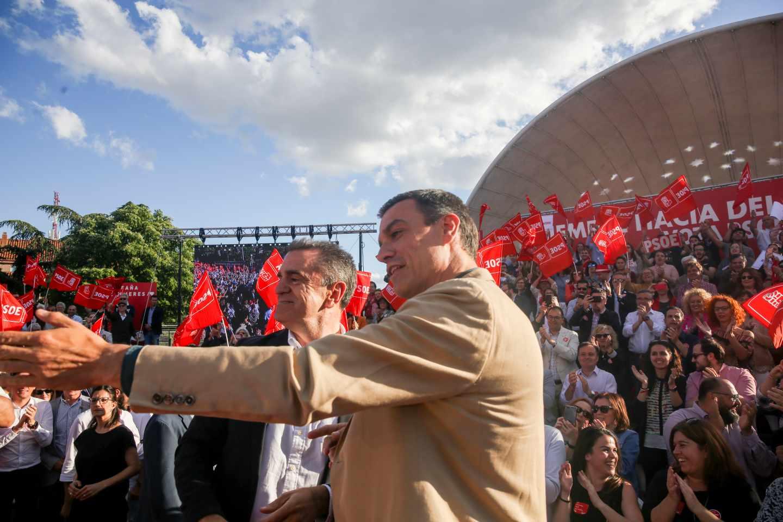 Pedro Sánchez junto al secretario general de los socialistas madrileños José Manuel Franco, en el cierre de campaña del 26M.