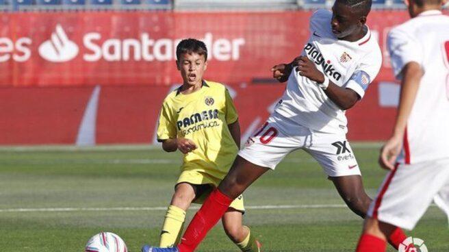 Ibrahima Sow, durante un partido con el Sevilla en LaLiga Promises.