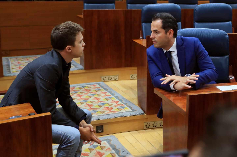 Ignacio Aguado e Íñigo Errejón, en la Asamblea de Madrid.
