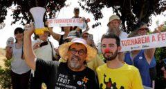 Simpatizantes independentistas esperan la llegada de los presos en la cárcel de Lledoners.